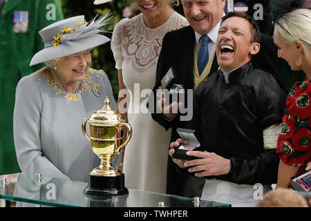London, Britain. 20th June, 2019. Frankie Dettori (2nd R) celebrates after he won the Gold Cup on Stradivarius as Britain's Queen Elizabeth II (1st L) looks on during Ladies Day of the Royal Ascot 2019 at Ascot Racecourse in Ascot, Britain, on June 20, 2019. Credit: Tim Ireland/Xinhua/Alamy Live News Stock Photo