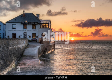 Appledore, Devon, UK. Thursday 20th June 2019 - UK Weather. On the eve of the summer solstice, after a warm and sunny day in North Devon, the sun sets over the Appledore Lifeboat moored on the River Torridge. Credit: Terry Mathews/Alamy Live News - Stock Photo