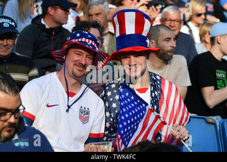 Le Havre, Frankreich. 20th June, 2019. USA Fans with Huten, 20.06.2019, Le Havre (France), Football, FIFA Women's World Cup 2019, Sweden - USA, FIFA REGULATIONS PROHIBIT ANY USE OF PHOTOGRAPHS AS IMAGE SEQUENCES AND/OR QUASI VIDEO. | usage worldwide Credit: dpa/Alamy Live News - Stock Photo