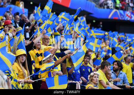 Le Havre, Frankreich. 20th June, 2019. Swedish flag sea, 20.06.2019, Le Havre (France), Football, FIFA Women's World Cup 2019, Sweden - USA, FIFA REGULATIONS PROHIBIT ANY USE OF PHOTOGRAPHS AS IMAGE SEQUENCES AND/OR QUASI VIDEO. | usage worldwide Credit: dpa/Alamy Live News - Stock Photo