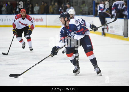 Melbourne, Australia. 21st June 2019, O'Brien Group Arena, Melbourne, Victoria, Australia; 2019 Ice Hockey Classic, Canada versus USA; Tim Harrison of USA moves the puck forward Credit: Action Plus Sports Images/Alamy Live News - Stock Photo
