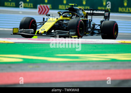Marseille, France. 21st June 2019, Circuit Automobile Paul Ricard, Le Castellet, Marseille, France ; FIA Formula 1 Grand Prix of France, practise sessions; Nico Hulkenberg of the Renault Team in action during free practice 1 Credit: Action Plus Sports Images/Alamy Live News - Stock Photo