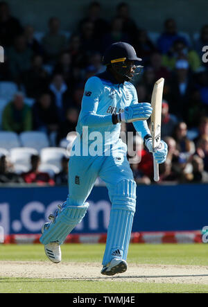 Emerald Headingley, Leeds, Yorkshire, UK. 21st June, 2019. ICC World Cup Cricket, England versus Sri Lanka; Jofra Archer of England Credit: Action Plus Sports/Alamy Live News - Stock Photo
