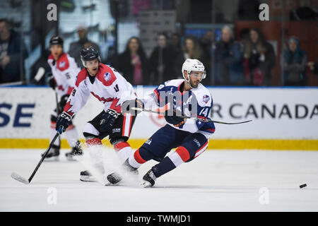 Melbourne, Victoria, Australia. 21st June 2019. 2019 Ice Hockey Classic, Canada versus USA; Jake Kulevich of USA turns back towards the puck Credit: Action Plus Sports Images/Alamy Live News - Stock Photo