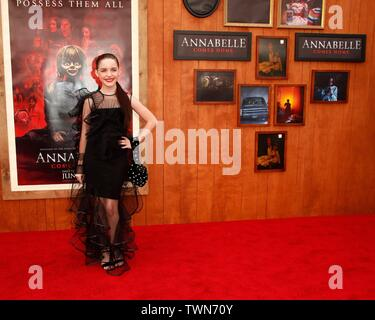 Los Angeles, CA, USA. 20th June, 2019. Mckenna Grace at arrivals for ANNABELLE COMES HOME Premiere, Regency Village Theatre - Westwood, Los Angeles, CA June 20, 2019. Credit: Priscilla Grant/Everett Collection/Alamy Live News - Stock Photo