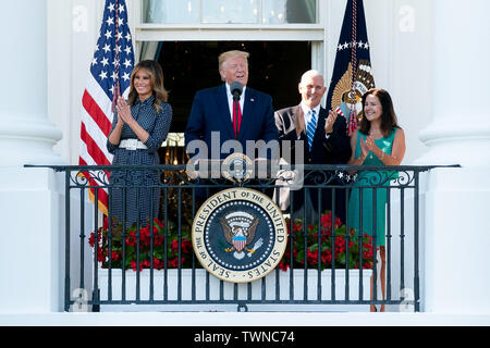 Washington, United States Of America. 21st June, 2019. President Donald J. Trump, joined by First Lady Melania Trump, Vice President Mike Pence and Second Lady Karen Pence, delivers remarks during the Congressional Picnic Friday, June 21, 2019, on the Blue Room Balcony of the White House. People: President Donald J. Trump, joined by First Lady Melania Trump, Vice President Mike Pence and Second Lady Karen Pence Credit: Storms Media Group/Alamy Live News - Stock Photo