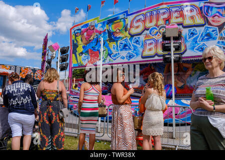 Cambridge, UK. 22nd June 2019. The Saturday of the historic annual midsummer fair attracts many traveller communities from around the UK. Market stalls offer goods, and a mix of new and traditional fairground rides entertain the crowds. CamNews / Alamy Live News - Stock Photo