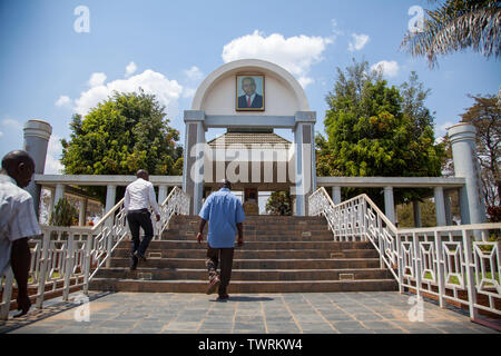 Kamuzu Dr Hastings Banda's mausoleum with people going up to view it - Stock Photo