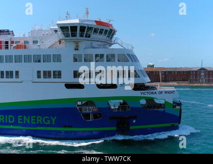 AJAXNETPHOTO. 3RD JUNE, 2019.  PORTSMOUTH, ENGLAND - PORTSMOUTH TO ISLE OF WIGHT WIGHT LINK VICTORIA OF WIGHT HYBRID ENERGY FERRY INBOUND TO THE CAMBER, OLD PORTSMOUTH. PHOTO:JONATHAN EASTLAND/AJAX REF:GXR190306_7880 - Stock Photo