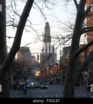 Flatbush Avenue. I took this picture looking north from Grand Army Plaza near dusk on a sunny early spring day. Williamsburgh Savings Bank Tower in distant center; Chase building of MetroTech Center left.; 28 March 2008 (original upload date); Own work; User:Jim.henderson; - Stock Photo