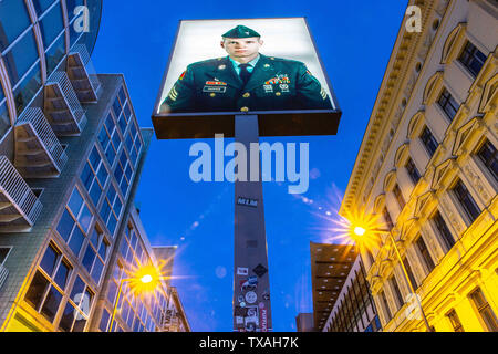 Berlin, Germany. 24th June, 2019. A general view of Check-Point Charlie in Berlin, Germany, June 24, 2019. Credit: Omer Messinger/ZUMA Wire/Alamy Live News - Stock Photo