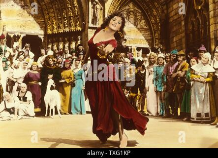 Notre-Dame de Paris  The Hunchback of Notre Dame  Year: 1956 France / Italy Director : Jean Delannoy Gina Lollobrigida - Stock Photo