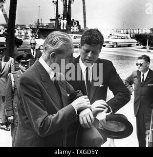British Prime Minister Harold Macmillan with US President John F. Kennedy, in Key West, March 1961 - Stock Photo
