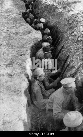 Russian soldiers in a trench during world war one 1916 - Stock Photo