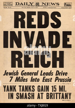 1944 Daily News (New York) Red Army invade East Prussia - Stock Photo