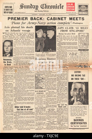 1942 front page Sunday Chronicle Battle for Malaya and Singapore, Churchill back from the U.S. and death of Field Marshal Walther Von Reichenau - Stock Photo