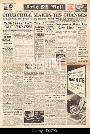 1942 front page  Daily Mail Churchill announces Cabinet re-shuffle - Stock Photo