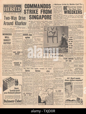 1942 front page  Daily Herald Battle for Singapore and Kharkov - Stock Photo