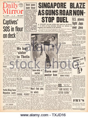 1942 front page  Daily Mirror Battle for Singapore - Stock Photo