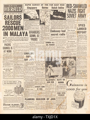 1942 front page Daily Herald Far East war - Stock Photo