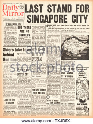 1942 front page Daily Mirror Battle of Singapore - Stock Photo