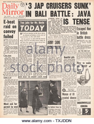 1942 front page  Daily Mirror Battle for Java - Stock Photo