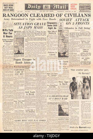 1942 front page  Daily Mail Civilians evacuate Rangoon - Stock Photo