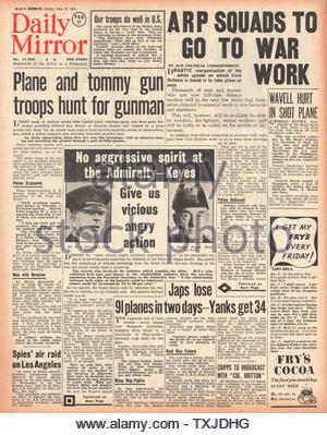1942 front page Daily Mirror Re-organisation of Civil Defence Force - Stock Photo
