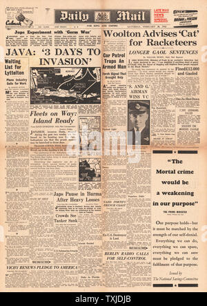 1942 front page  Daily Mail Battle for Java - Stock Photo