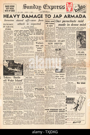 1942 front page  Sunday Express British Paratroopers raid France and Battle for Java - Stock Photo