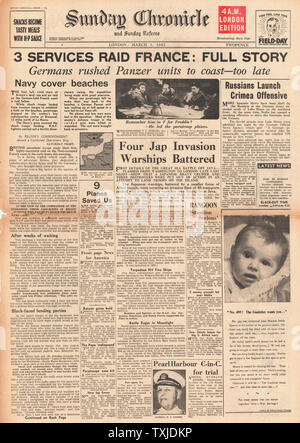 1942 front page  Sunday Cronicle British Paratroopers raid France - Stock Photo