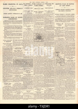 1942 page 4 The Times Battle for Java - Stock Photo
