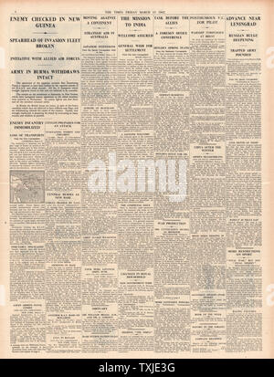 1942 page 4 The Times Battle for New Guinea and Leningrad - Stock Photo
