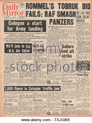 1942 front page  Daily Mirror Battle for Tobruk - Stock Photo