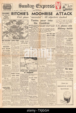 1942 front page Sunday Express Battle for Libya, RAF Bombing Raids on Western Europe - Stock Photo