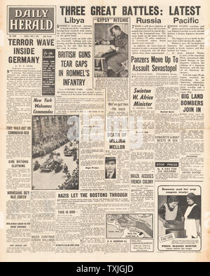 1942 front page  Daily Express Battle of Libya and Battle of Midway - Stock Photo