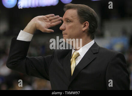 Detroit Pistons head coach Flip Saunders gestures during Pistons 98-87 loss to the Denver Nuggets at the Pepsi Center in Denver March 1, 2006.  (UPI Photo/Gary C. Caskey) - Stock Photo