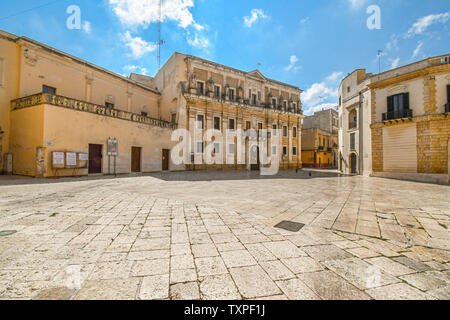 Morning and an empty Piazza Duomo in front of the Brindisi Cathedral in the town of Brindisi, Italy, in the Puglia region. - Stock Photo