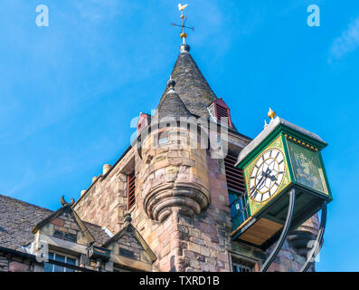 Canongate tolbooth clock and tower - part of a historic landmark, built in 1591 as the centre of administration and justice. Edinburgh, Scotland, UK. - Stock Photo
