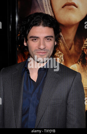 Cast member Oscar Isaac arrives for the Los Angeles premiere of 'The Nativity Story' benefitting Habitat for Humanity and held at the Academy of Motion Picture Arts and Sciences in Beverly Hills, California on November 28, 2006 . (UPI Photo/ Phil McCarten) - Stock Photo