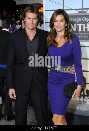 Actress Cindy Crawford, a cast member in the motion picture dramatic comedy 'Up In The Air', attends the premiere of the film with her husband Randy Gerber in Los Angeles on November 30, 2009.     UPI/Jim Ruymen - Stock Photo
