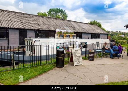 The floating Cafe Boat at the Trevor Basin on the Llangollen Canal, Clwyd,Wales, UK - Stock Photo