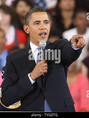 President Barack Obama gestures during a town hall meeting at University of New Orleans on October 15, 2009.   UPI/A.J. Sisco. - Stock Photo