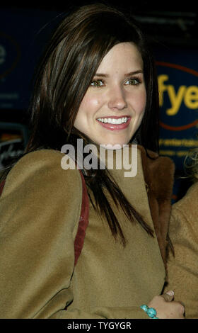 'One Tree Hill' castmember Sophia Bush signs copies of the shows soundtrack CD at FYE in New York on January 25, 2005.  (UPI Photo/Laura Cavanaugh) - Stock Photo