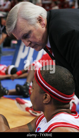 Nancy coach Jean-Luc Monschau gives some advice to DeRon Hayes before the game at the French Basketball Championship at Bercy in Paris, France on June 18, 2006.  Le Mans defeated Nancy 93-88 to win the championship.           (UPI Photo/ David Silpa) - Stock Photo