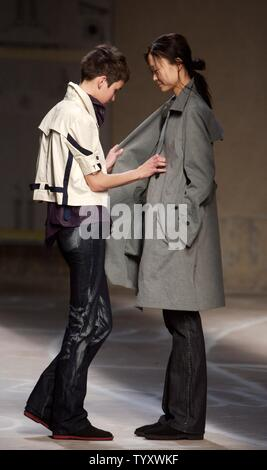 Models Sport Creations By Fashion Designer Nicolas Le Cauchois During The Haute Couture Fall Winter 2007 2008 Collections Presentations In Paris On July 5 2007 Upi Photo William Alix Stock Photo Alamy