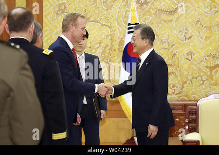Seoul, South Korea. 3rd June, 2019. South Korean President Moon Jae-in, right, shakes hands with acting U.S. Secretary of Defense Patrick Shanahan during a meeting at the presidential Blue House. Shanahan arrived in Seoul on Sunday for a two-day visit to discuss the situation on the Korean Peninsula and ways to boost the alliance between the two countries. Credit: Zuma Press/ZUMA Wire/Alamy Live News - Stock Photo