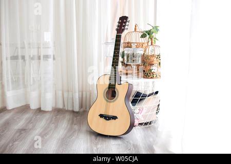 Guitar Instruments, Sound Music, Sound, Bow String