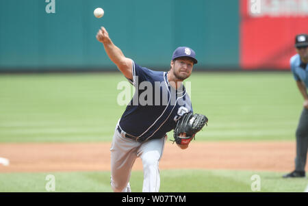 San Diego Padres starting pitcher Colin Rea delivers a pitch to the St. Louis Cardinals in the second inning at Busch Stadium in St. Louis on July 20, 2016.      Photo by Bill Greenblatt/UPI