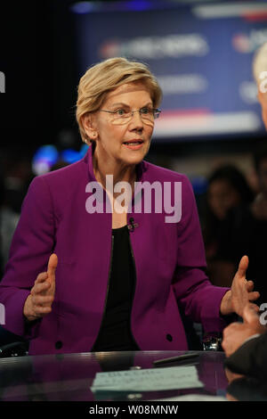 Washington, DC, USA. 27th June, 2019. Senator Elizabeth Warren of Massachusetts is interviewed after Democratic Party's first primary debate in Miami, Florida, the United States, on June 26, 2019. Ten Democratic contenders for the 2020 U.S. presidency took the stage in Miami on Wednesday night for the party's first primary debate, a two-night event scheduled to be attended by 10 others on Thursday. Credit: Xinhua/Alamy Live News - Stock Photo